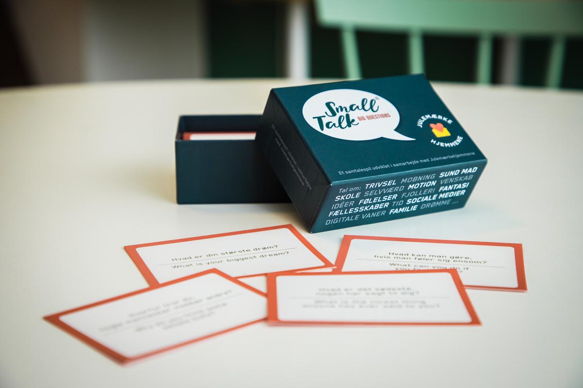 SmallTalk - samtalespil der styrker trivsel og fællesskab