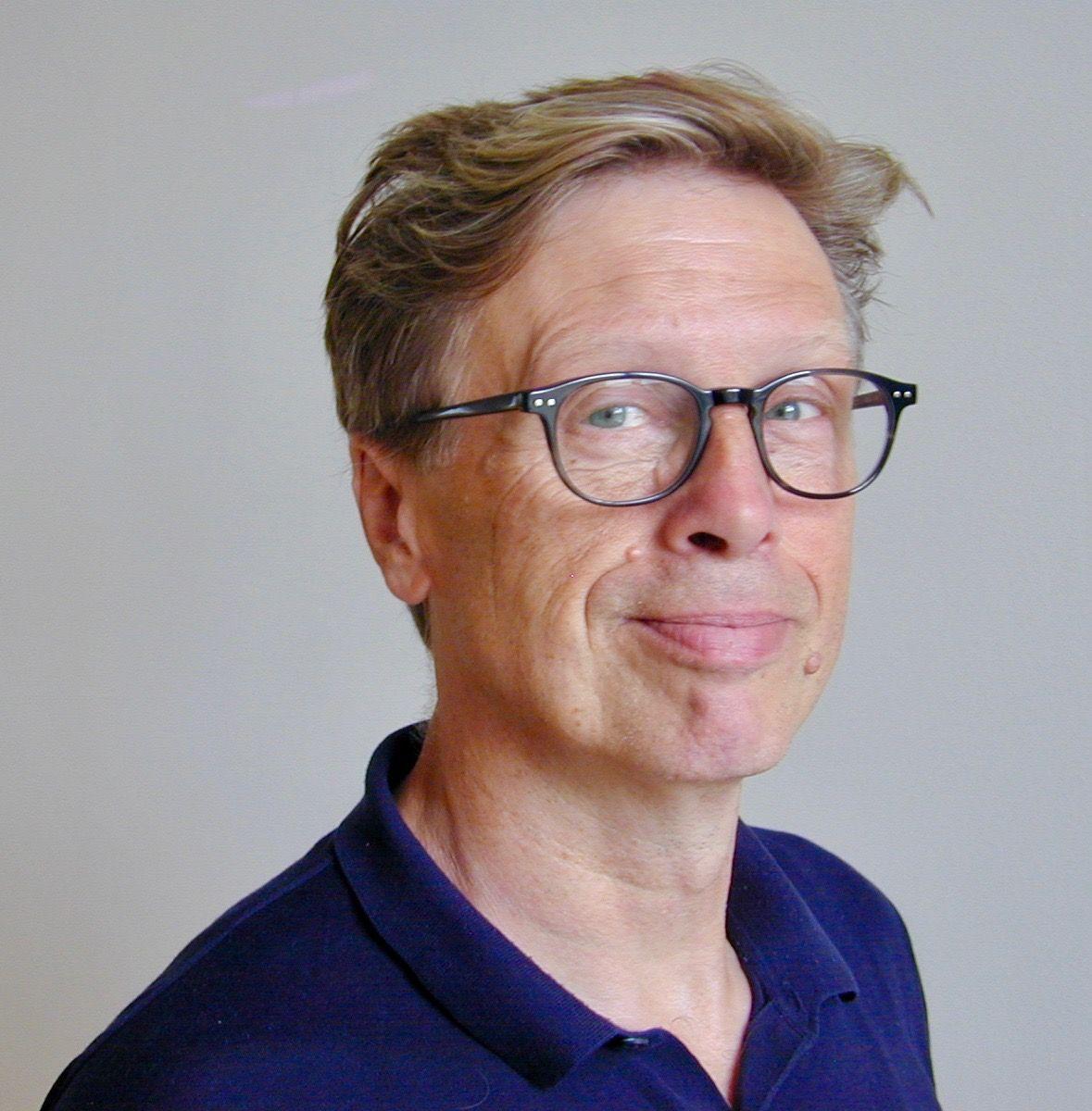 Peter Bay Alexandersen er årets Julemærke-kunstner